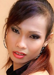 Asian tranny Moo beats meat taking off her panties
