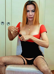 Horny ladyboy jerks off in her stockings